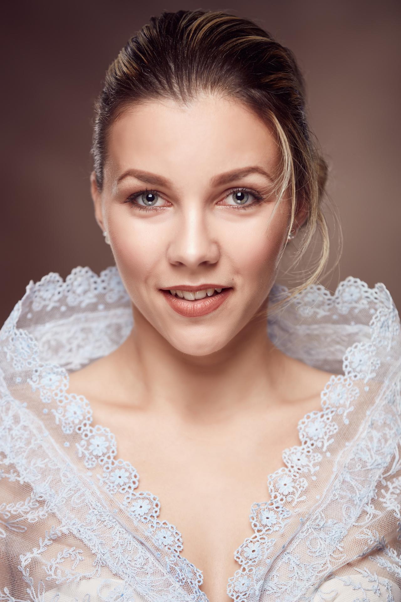 02_Alžbeta Garajová, Vlkanová, okr. Banská Bystrica, tanec+spev