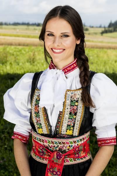 Zuzana Poláčková 1. Vicemissfolklór